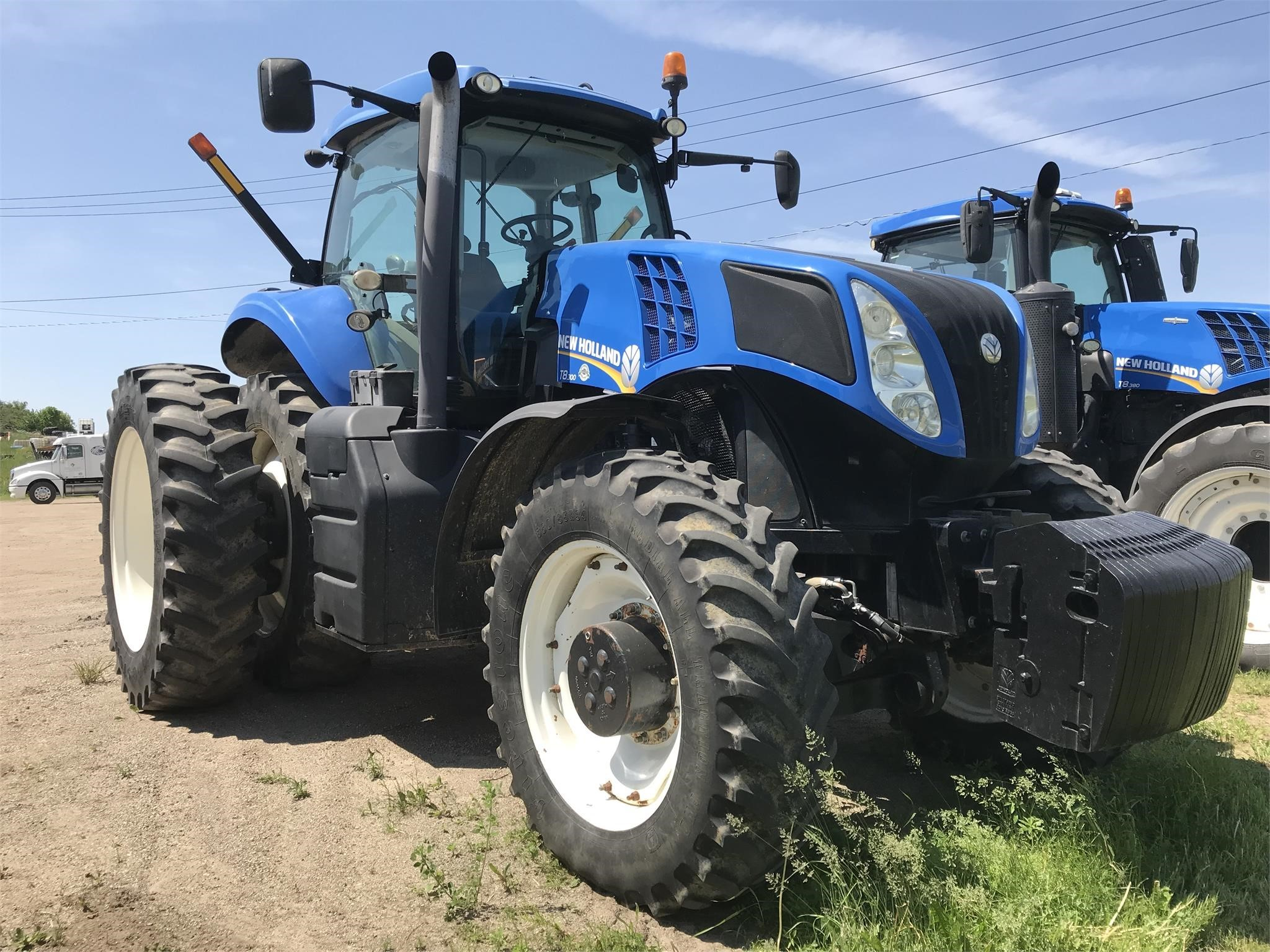 Used, 2011, NEW HOLLAND, T8.300, Tractors - 175 HP to 299 HP